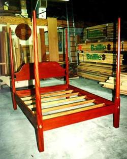 Mahogany Pencil Post Bed