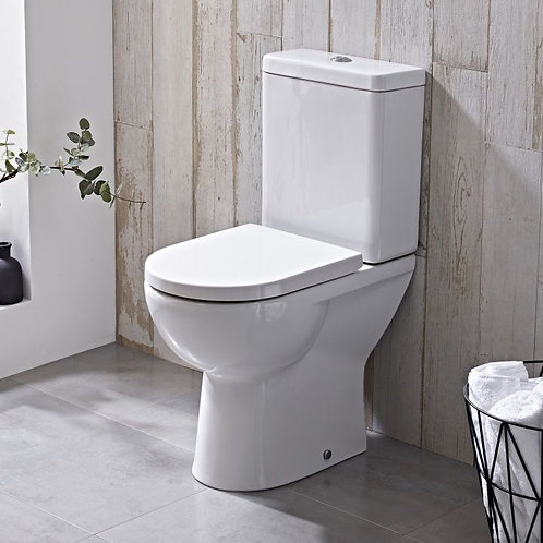Close Coupled WC With Cistern And Toilet Seat