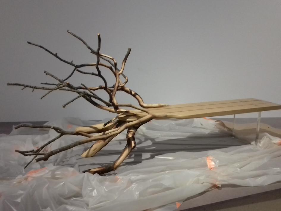 """Fallen Tree, Prêt du Centre Pompidou pour l'exposition """"design et merveilleux"""" au musée des beaux arts de Saint Etienne"""