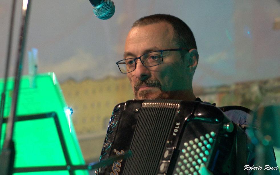 Tiziano Menduto playing accordion