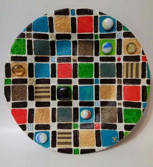 Композиция.d-25 см. Стеклянна тарелка, декор выполнен в смешанной технике. Цена 5000.jpg