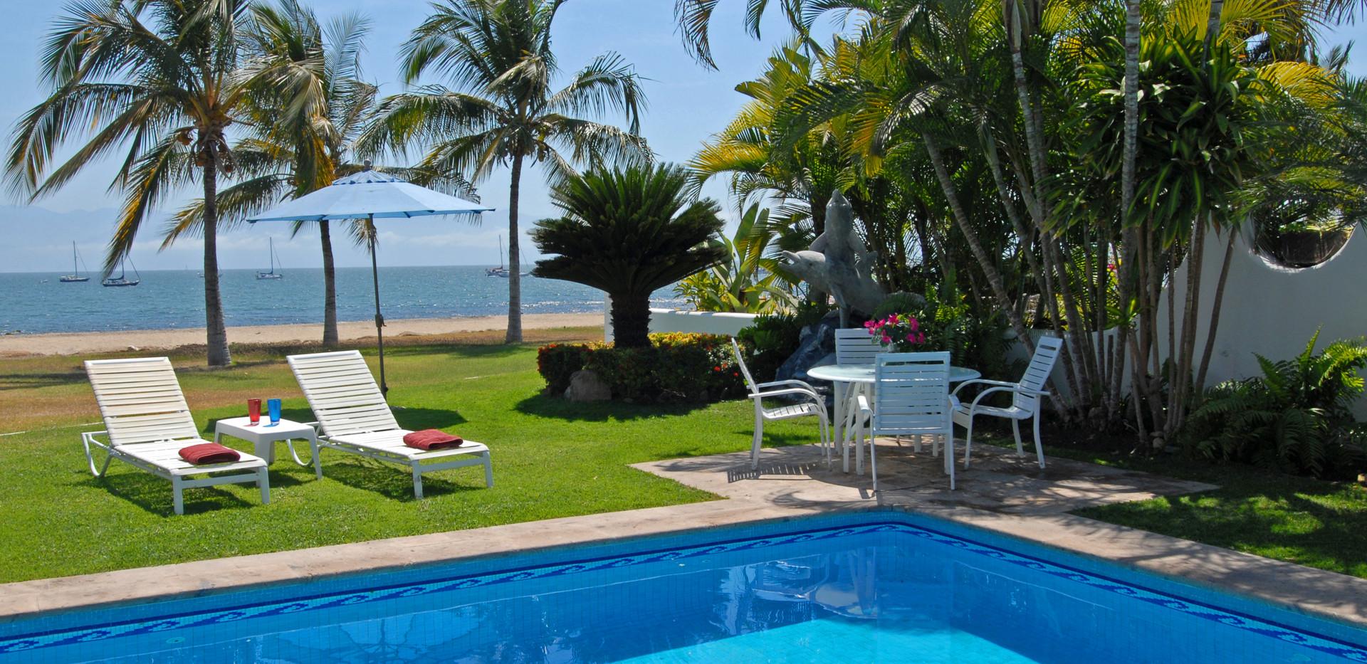 Poolside Lounge Areas