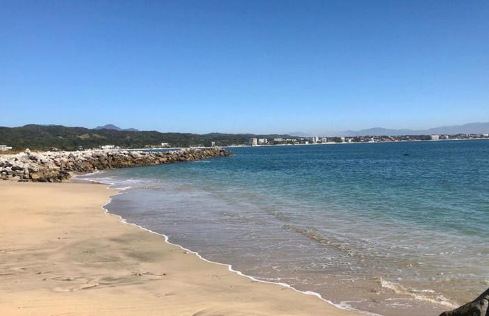 Beach next door to La Puntilla