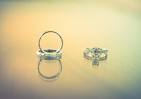 Anna Marie Photography | Wedding Photography | Wedding rings detail shot