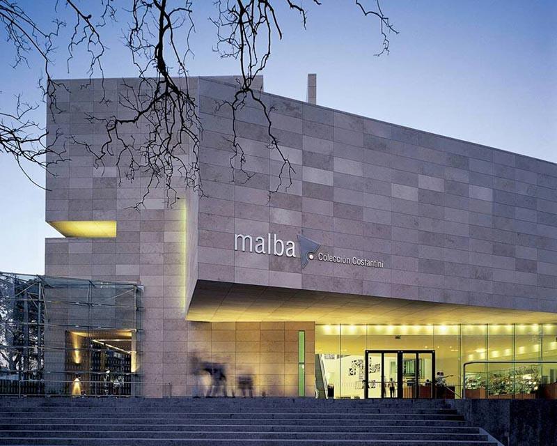 Turista_en_Buenos_Aries_Museos_Malba