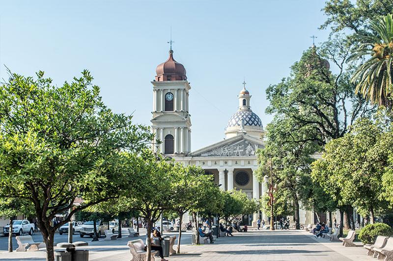 Tucuman_Argentina_NearBA_Turista_Buenos_Aires_catedral