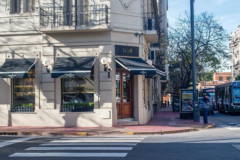 AvCaseros_Boulevard_Turista_En_Buenos_Aires_San_Telmo_Bacan
