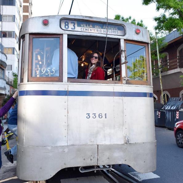 Turista_En_Buenos_Aires_Tranvía_Caballito