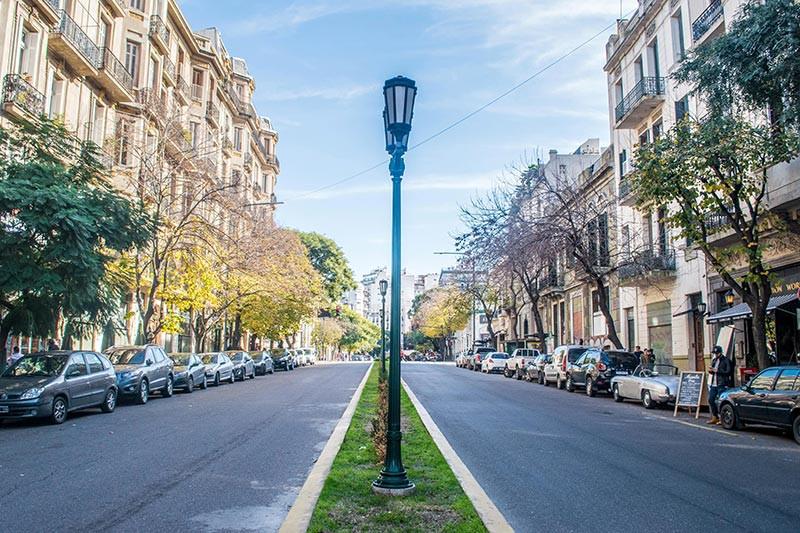 AvCaseros_Boulevard_Turista_En_Buenos_Aires_San_Telmo