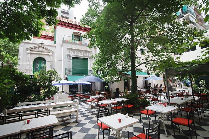 Turista_en_Buenos_Aries_Museo_Evita