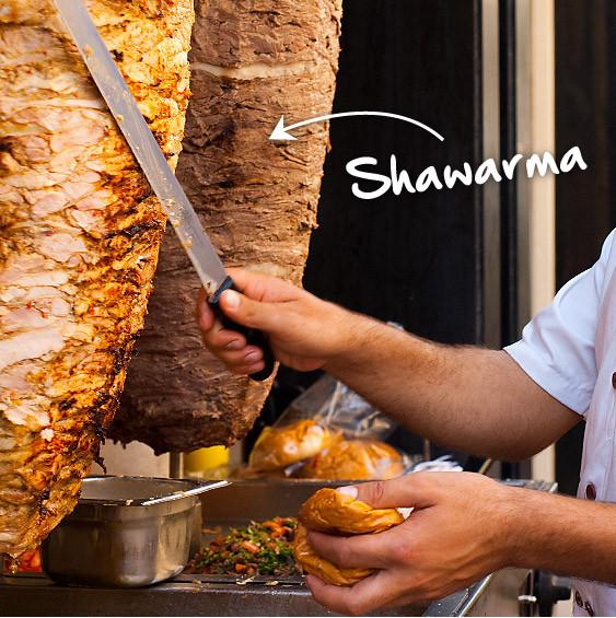 Turista_en_buenos_aires_comida_arabe_armenia_shawarma