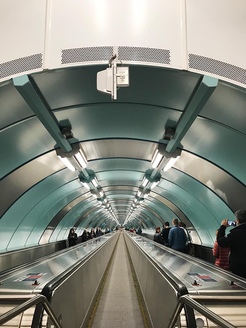 Rusia_SanPetersburgo_FarFromBA_TuristaEnBuenosAires_subte_subway