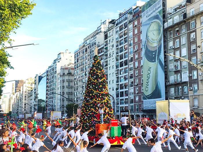 Buenos_Aires_Decorada_navidad_fiestas_Desfile