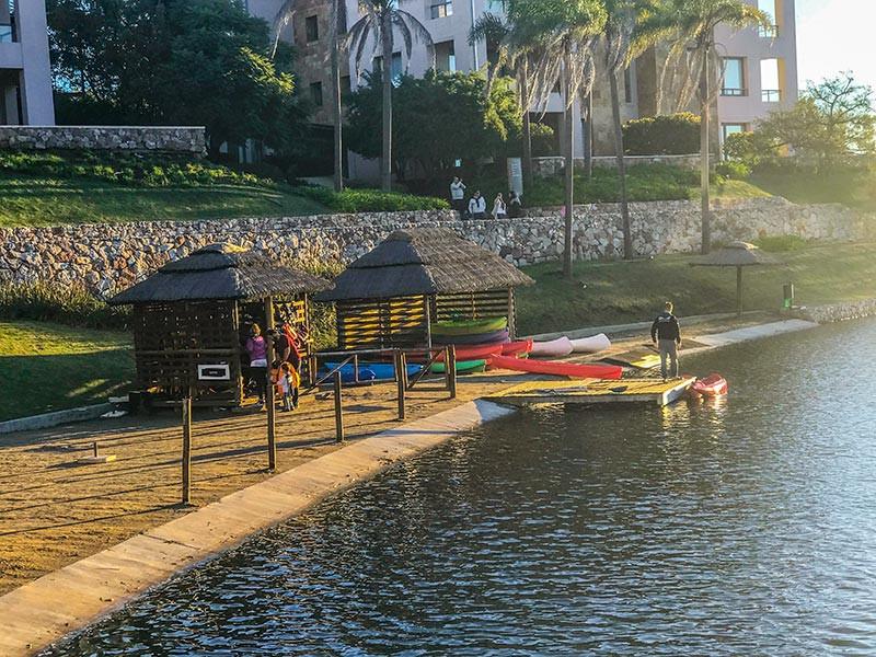 Sofitel_Reserva_Cardales_Turista_en_Buenos_Aires_NearBa_Laguna_kayak