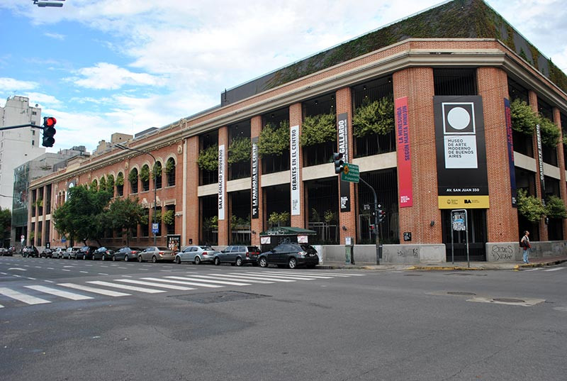 Turista_en_Buenos_Aries_Museos_Arte_Moderno