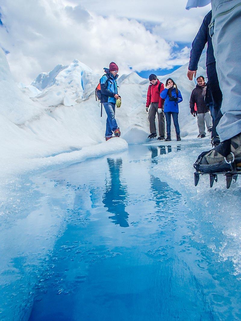 TURISTA_EN_BUENOSAIRES_CALAFATE_SantaCruz_Perito_Moreno_Glaciar_trekking