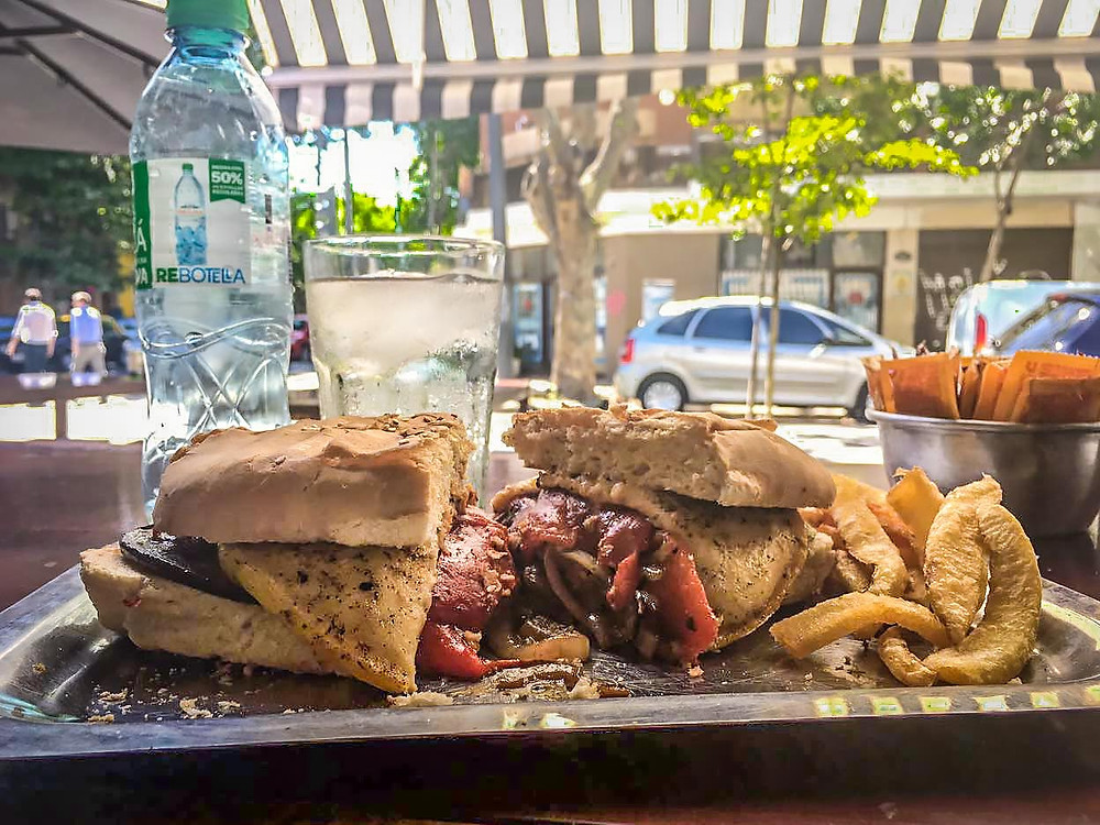 Turista_en_Buenos_Aires_Cachito_Premium_Parrilla_Carne