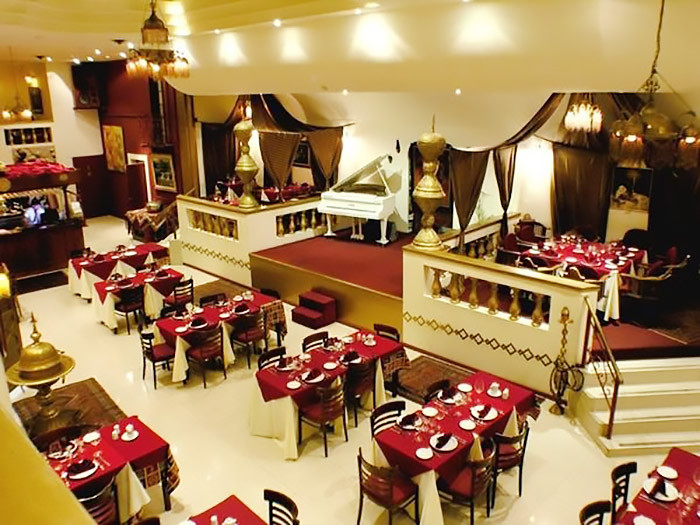 Turista_en_buenos_aires_comida_arabe_armenia_shawarma_burmana
