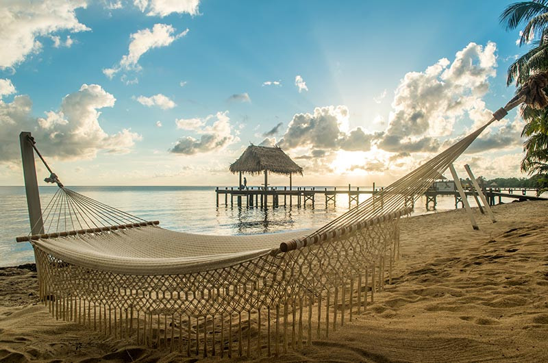 Turista_en_Buenos_AIres_Belize_Belize_FarFromBA_Hopkins