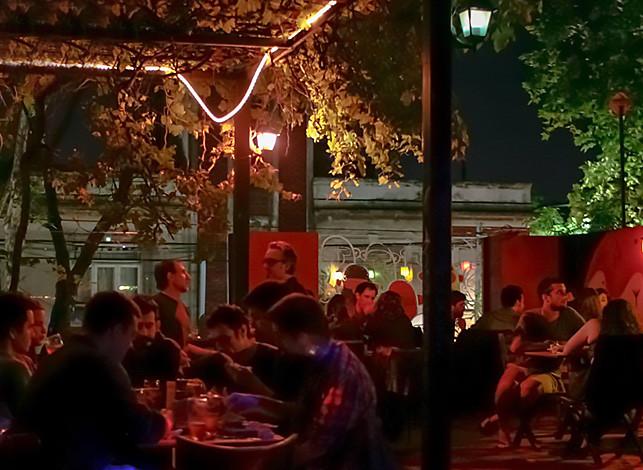 turista-en-buenos-aires-cerveza-artesanal-morante-terraza