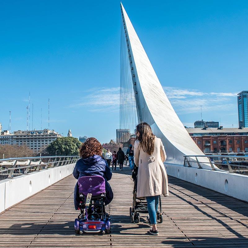 BA_Accesible_Turista_en_Buenos_Aires_Puerto_Madero_Puente_de_la_Mujer