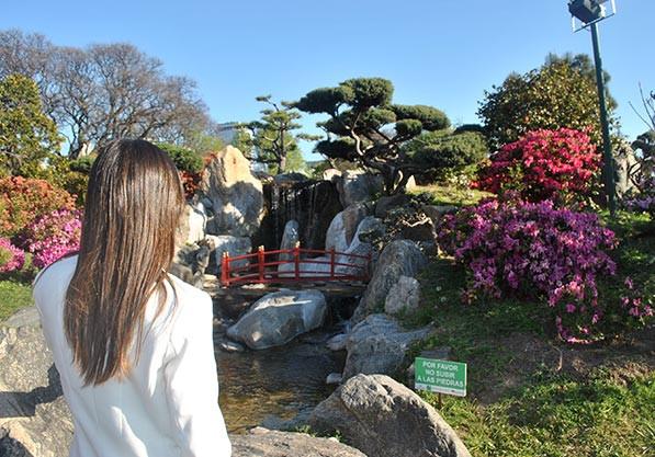 Turista_en_Buenos_Aires_Jardin_japones