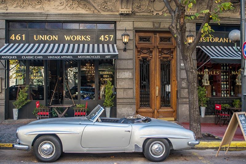 AvCaseros_Boulevard_Turista_En_Buenos_Aires_San_Telmo_Napoles_anticuario