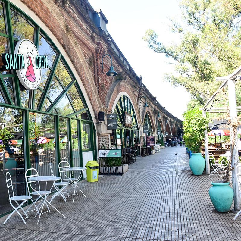Arcos_Del_Rosedal_Turista_en_Buenos_Aires_LagosDePalermo_Santa_Crepa_polo_gastronomico_Palermo