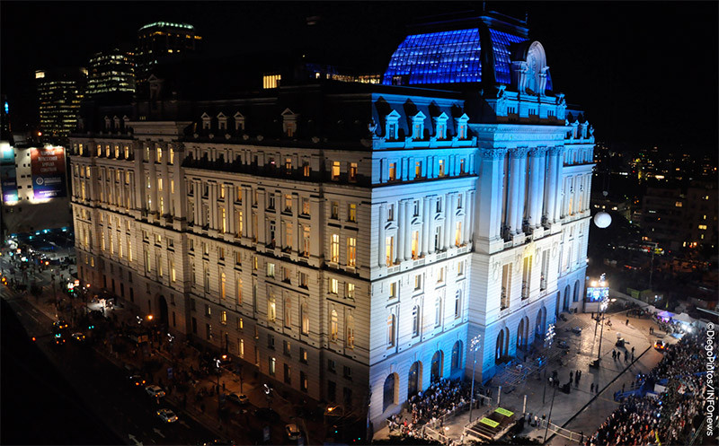 Turista_en_Buenos_Aries_Museo_CCK_Centro_Cultural_Kirchner