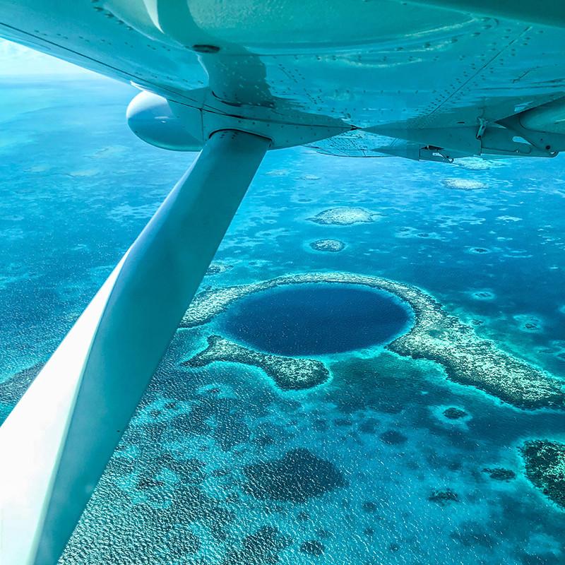 Turista_en_Buenos_AIres_Belize_Belize_FarFromBA