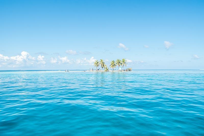 Turista_en_Buenos_AIres_Belize_Belize_FarFromBA_SilkCaye