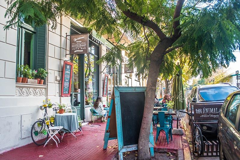 AvCaseros_Boulevard_Turista_En_Buenos_Aires_San_Telmo_Hierba_Buena