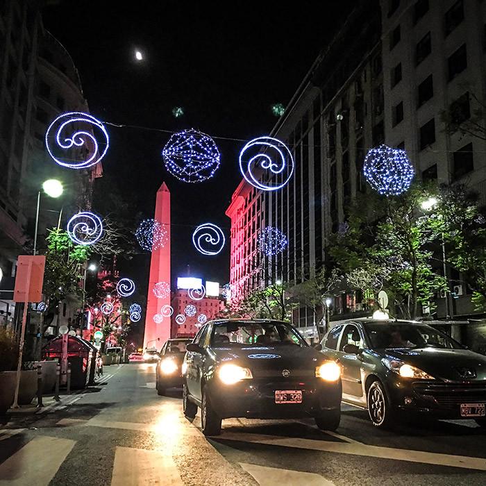 Buenos_Aires_Decorada_navidad_fiestas_Obelisco