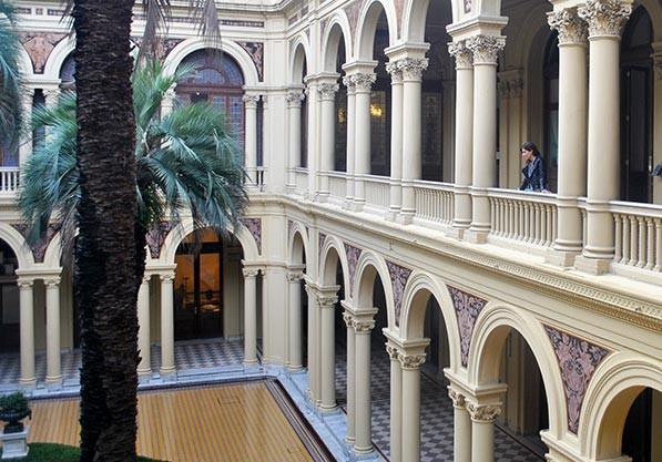 Turista_en_Buenos_Aires_Casa_Rosada