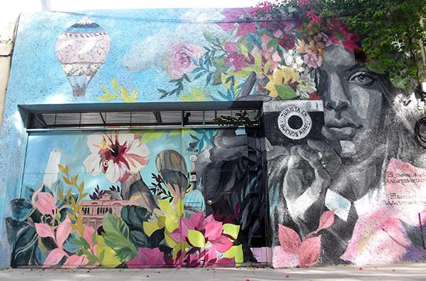 Turista_en_Buenos_Aires_Mural_Street_Art_TEBA_DiNucci