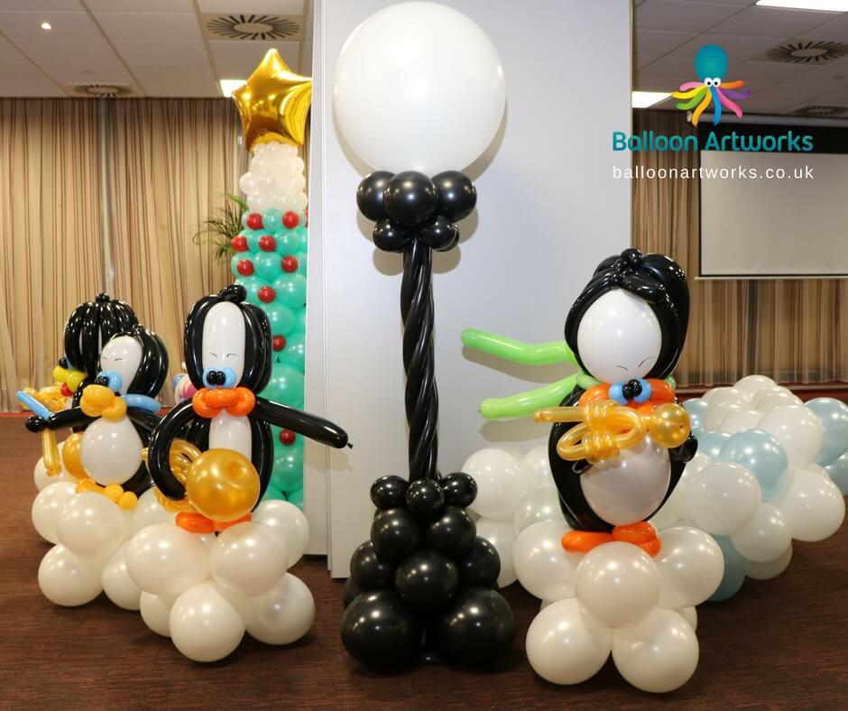 Christmas balloon party decor from Derbyshire balloon artist blog