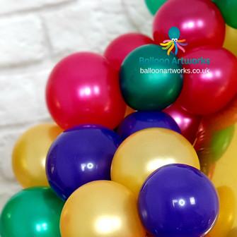 Organic balloon display Balloon Artworks of Ripley Derbyshire