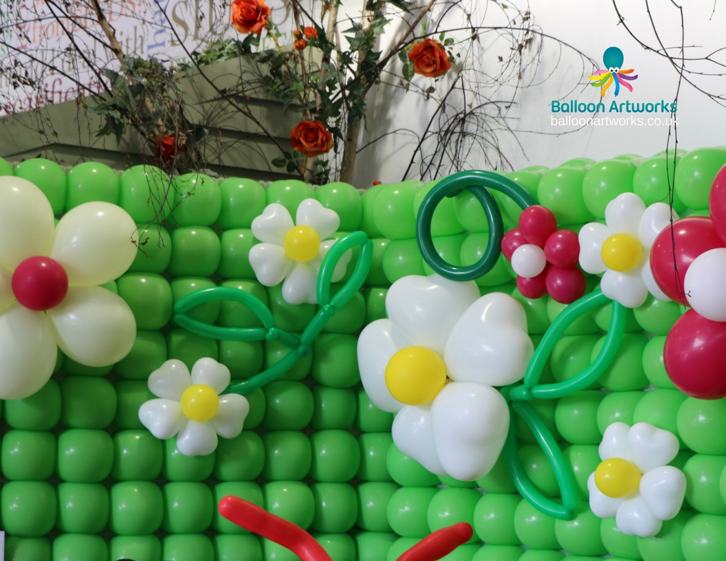 Balloon flower wall for Derby Garden Centre by Balloon Artworks Ripley Derbyshire
