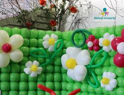 Balloon flower wall for Derby Garden Centre by Balloon Artworks Ripley Derbyshire