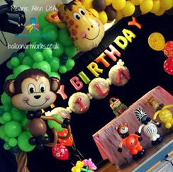Jungle party balloon decorations Derby Derbyshire Nottingham Nottinghamshire Balloon Artwo