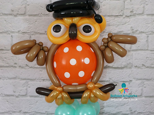 Wise graduation owl balloon sculpture