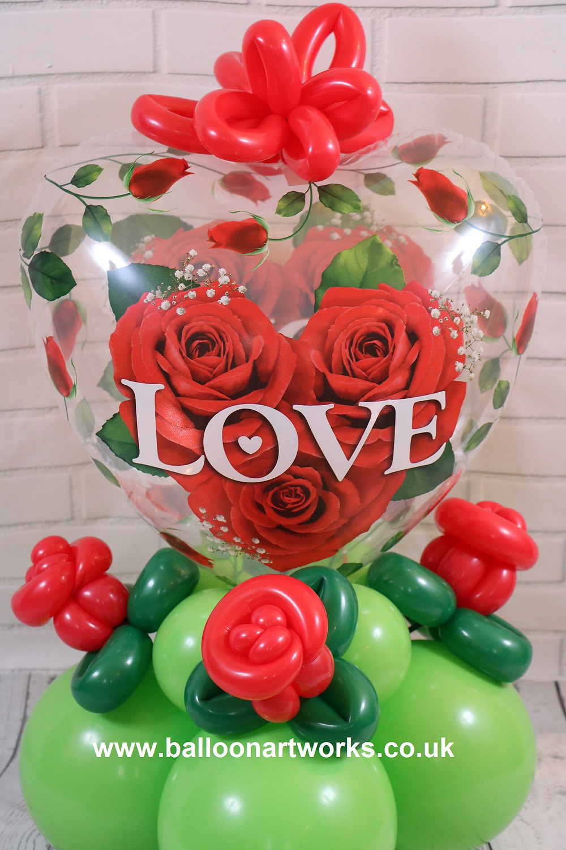 Balloon arrangement for Valentines Day with hand-made balloon rose details by Derbyshire Balloon Artist Melanie Allen of Balloon Artworks. Valentine balloons Derby Nottingham Chesterfield Sheffield