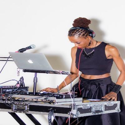 Shelly-DJ-DinerNoir-1.jpg
