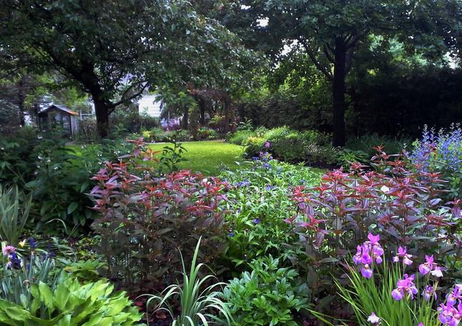 Diversified Plantings in Stirling Ontario