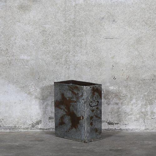 Flint Rectangle Iron Planter - Upright