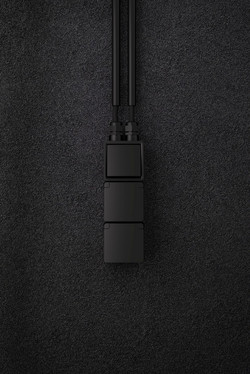 Hydro black 3V vertical 02_edited