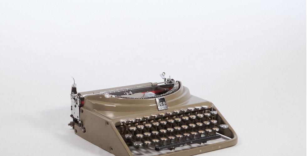 Macchina da scrivere Olivetti Ico