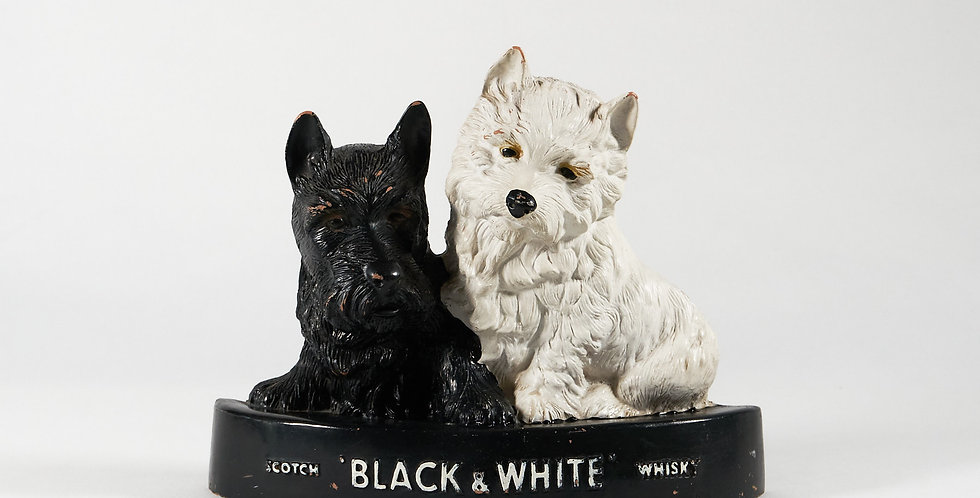 Display pubblicitario black and white