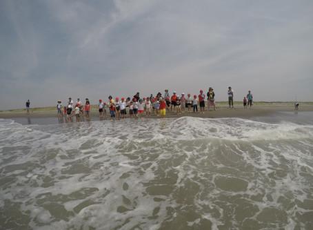 同笠海岸で砂浜あそび