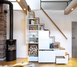 geöffneter Treppenschrank